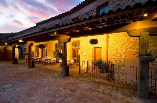 Noche rom ntica en barcelona petits grans hotels de for Noche hotel barcelona