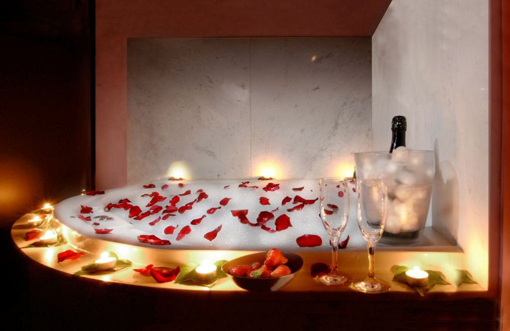 Escapada san valent n en calders petits grans hotels de catalunya - Cena romantica con velas ...