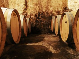 Break in Peratallada with wine tasting